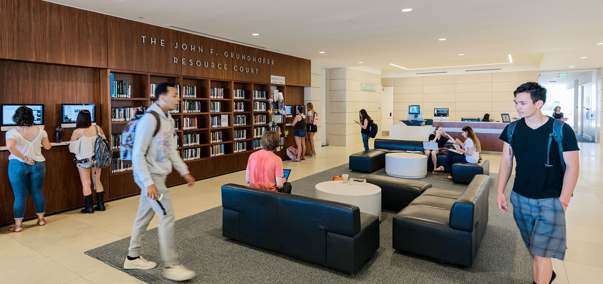 Students in library level 1 lobby